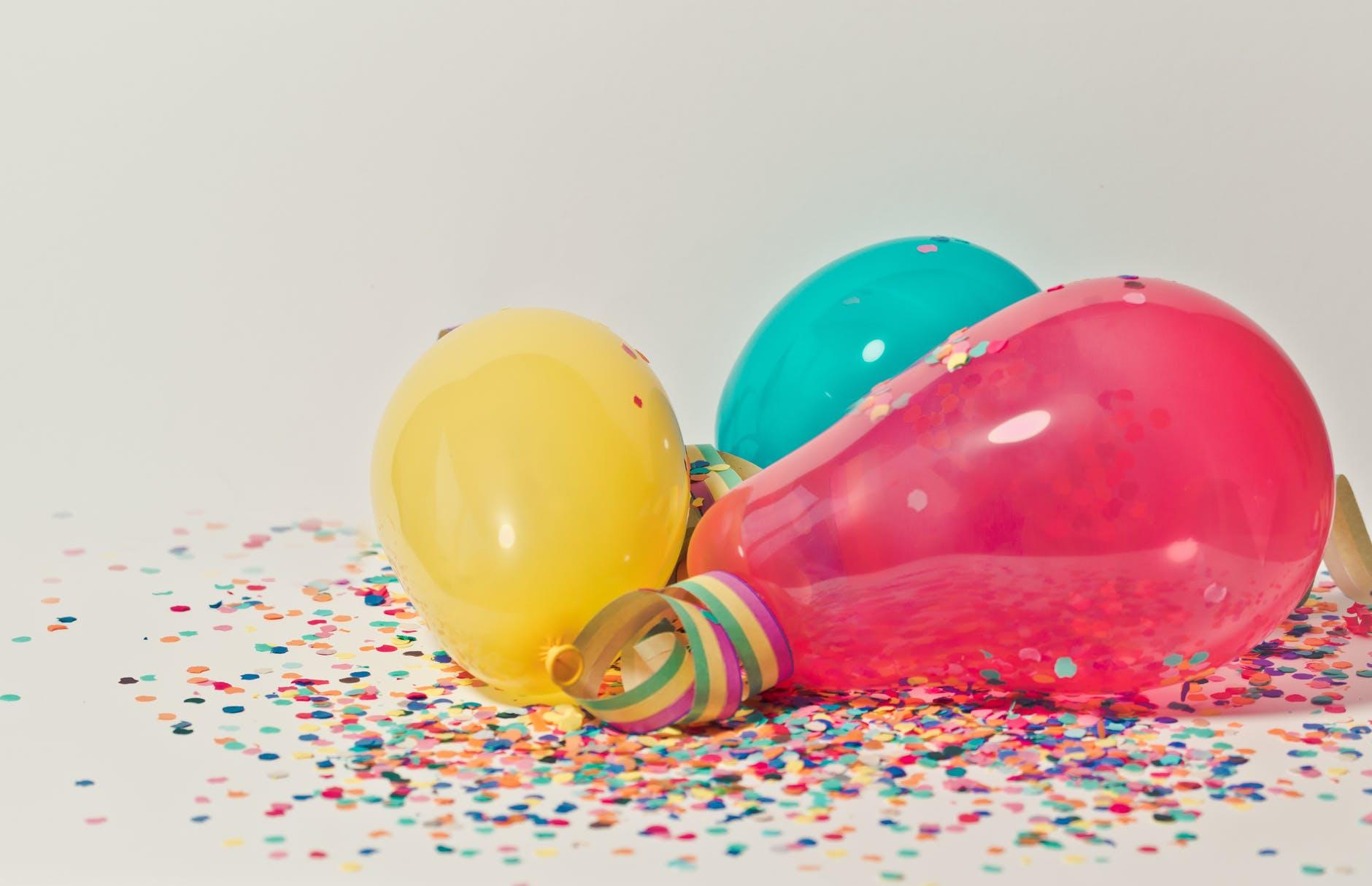 Doğum Günü Hediyeleri, Birthday Gifts