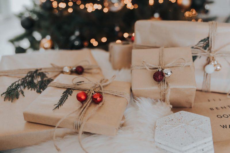sevgiliye-yilbasi-hediye-secimi
