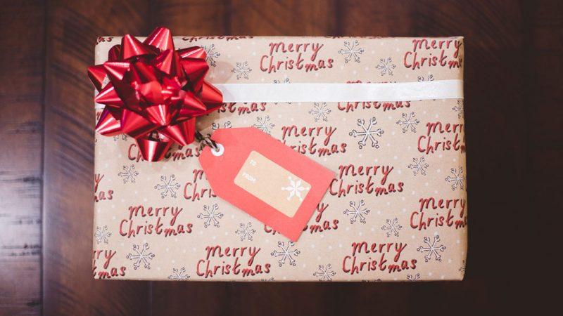 arkadaşa-yılbaşı-hediye-kutusu