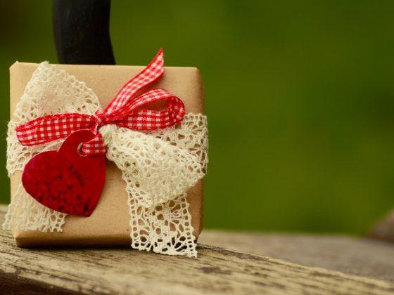 Klişe sevgililer günü hediye seçenekleri