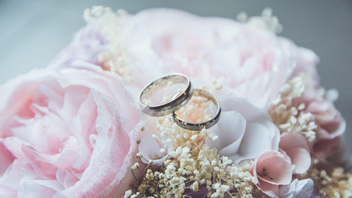 evlilik-yil-donumu-hediyesi-arayanlara-5-hediye-onerisi