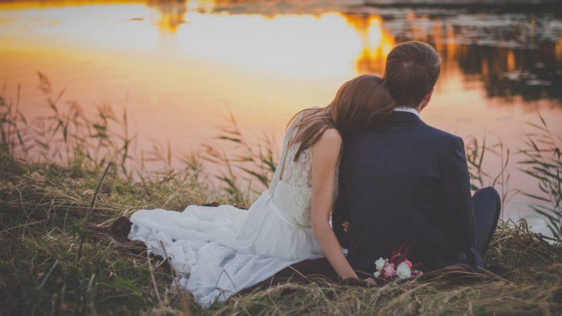 romantik-evlilik-yil-donumu-hediyeleri