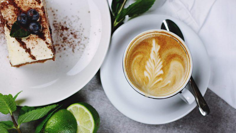 renkli-kahve-sunumu