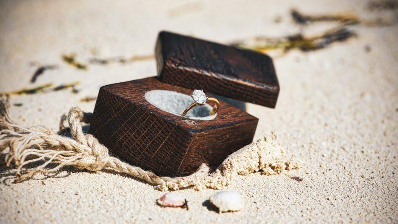kumsalda-evlilik-teklifi