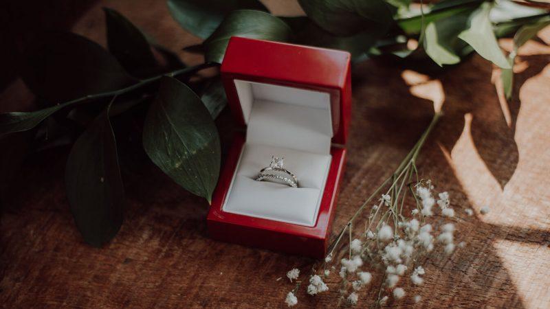 restoranda-evlilik-teklifi