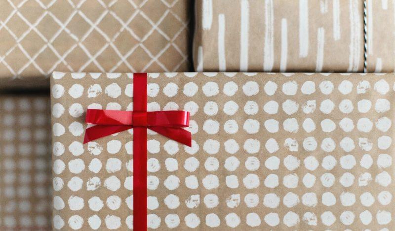 el-yapimi-yilbasi-hediye-paketleri