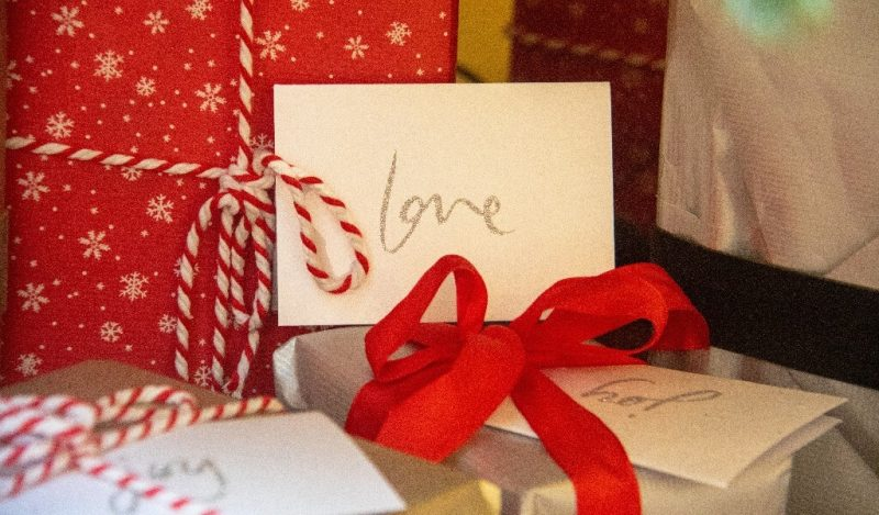 sevgiliye-yilbasi-hediyesi-bayan