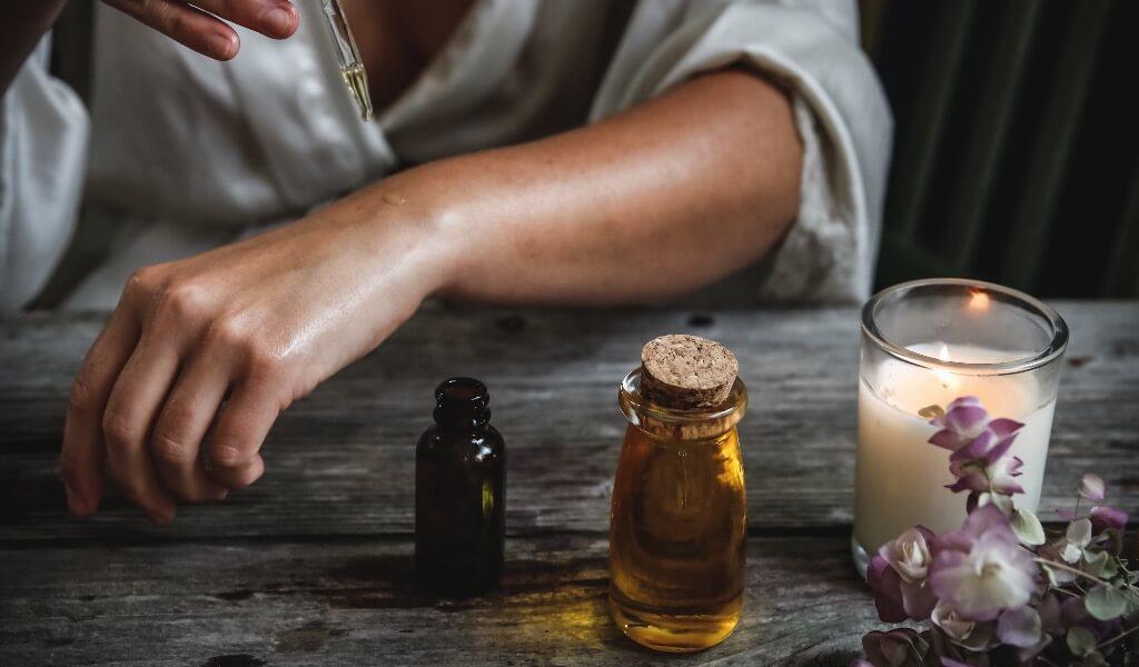aromaterapiye-giris-kokulu-mumlar-nasil-kullanilir