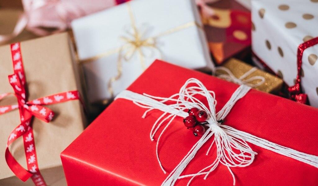 en-guzel-hediyelik-esyalarla-kendi-hediye-kutunu-tasarla