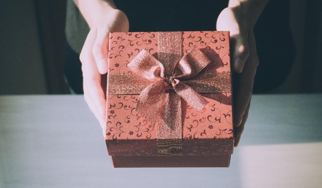 akademisyene-hediye-ne-alinir-akademisyene-alinacak-7-hediye