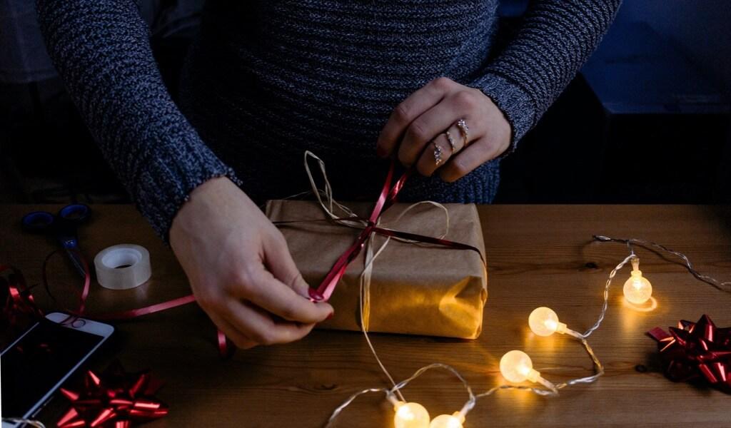 erkek-sevgiliye-manevi-hediye-onerileri