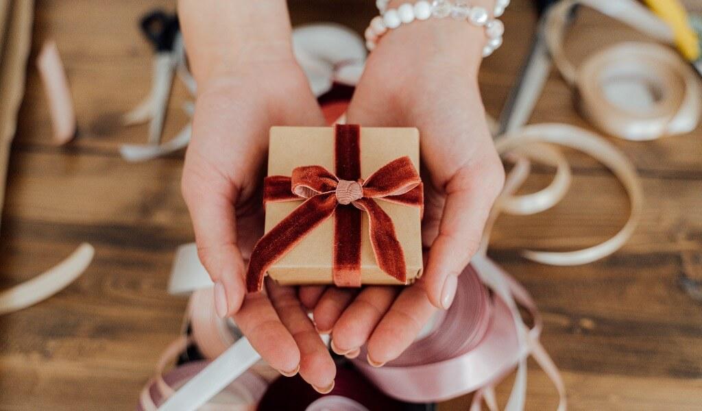 sevgiliye-kucuk-hediye-fikirleri