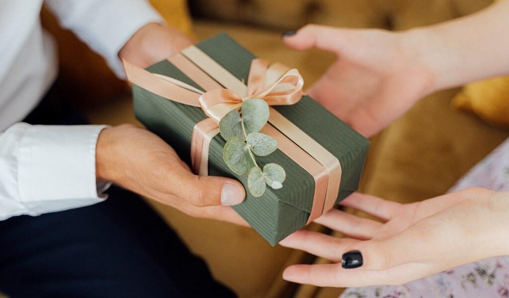 sevgiliye-kadinlar-gunu-hediye-fikirleri